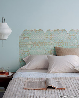 crear un cabecero de cama con papel pintado