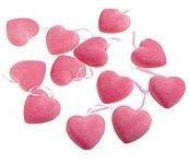 corazones para decorar una tienda o un escaparate en san valentin