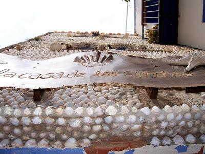 casa decorada con conchas en peñiscola