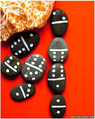 manualidad con piedras para hacer un domino