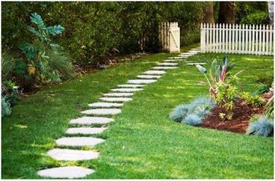 decorar el jardin con un camino