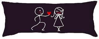 cojin enamorados
