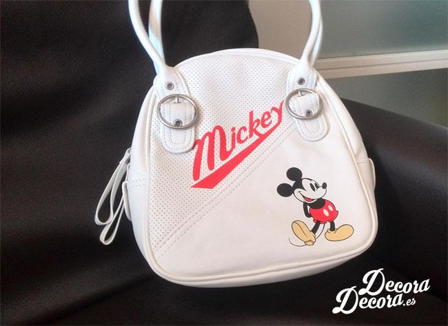 Reciclar bolso de Mickey Mouse.