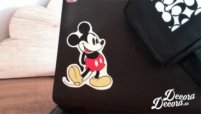 Mickey de bolso para decorar ordenador.
