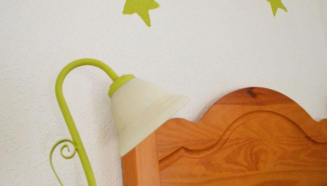 Pintar lámpara verde.
