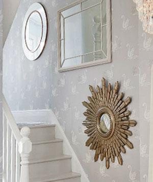 Espejos para decorar la escalera