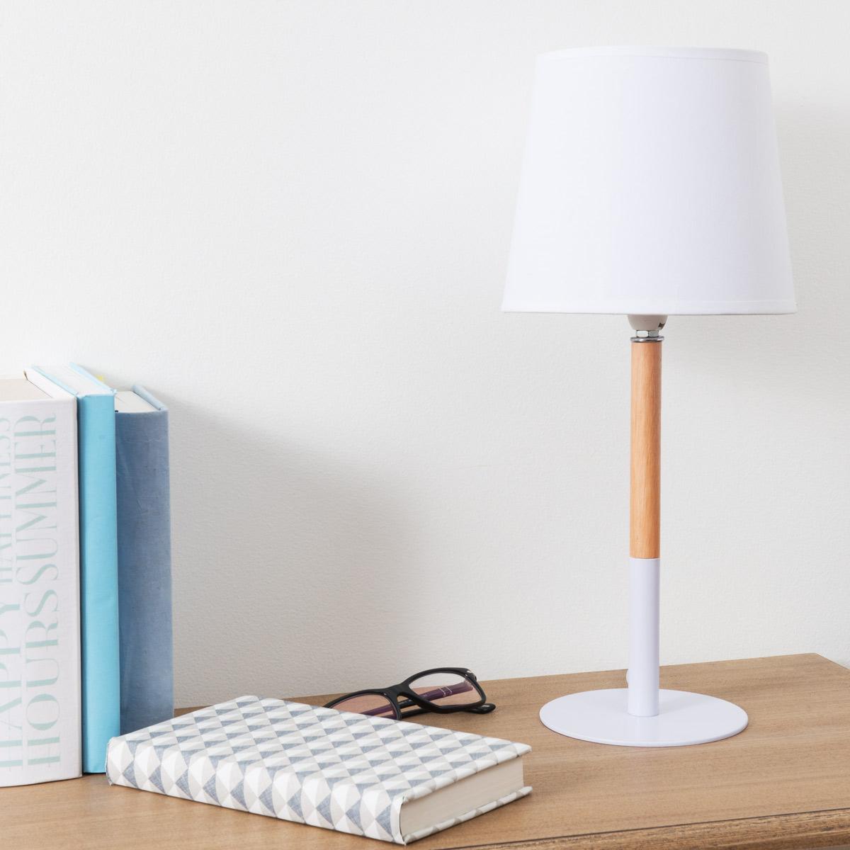 Lámpara madera y blanco