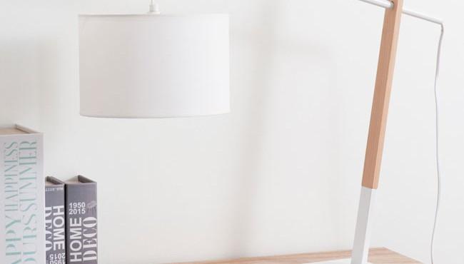 Lámpara madera blanca