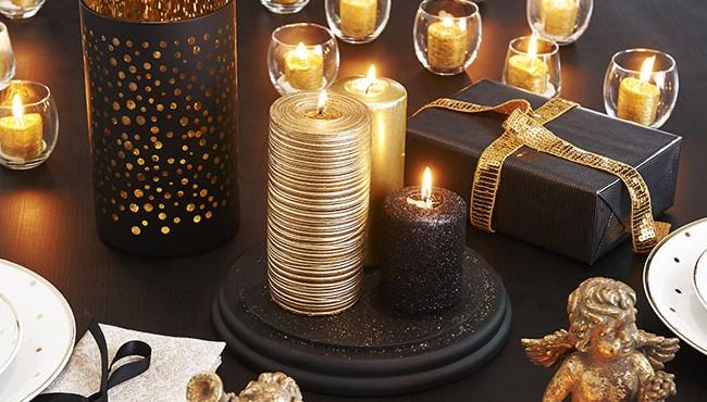 Decorar la mesa de Navidad con dorado