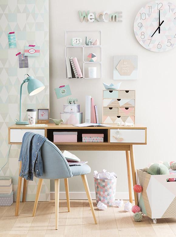 Decoración con formas geométricas y colores pastel