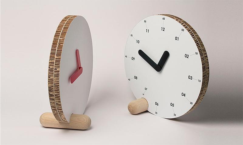 Relojes cartón