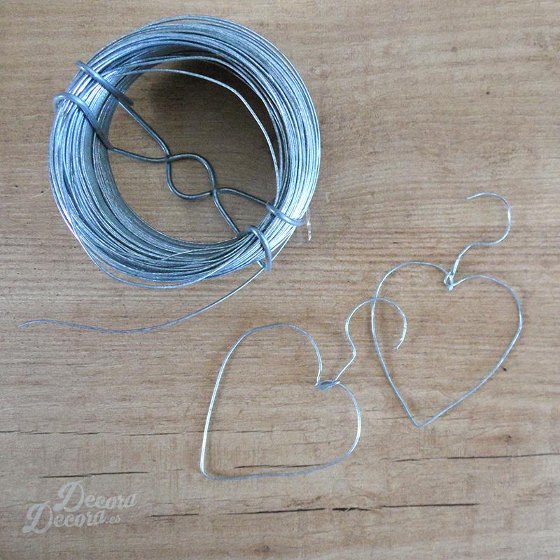 Hacer corazones con alambre
