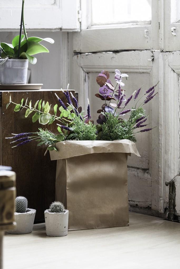 Decoración con flores artificiales