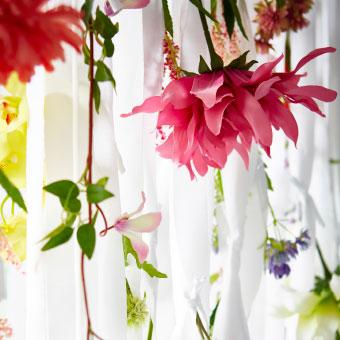 Decorar con flores un dormitorio