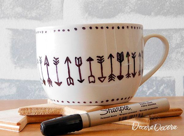 Decorar una taza con Sharpie
