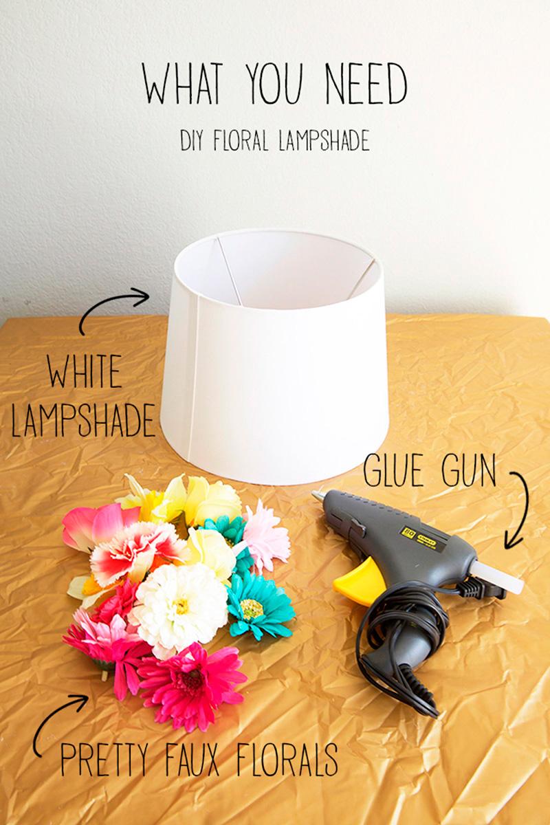 Idea para decorar una lámpara con flores