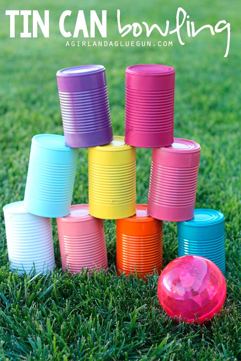 juego de verano con latas vacías
