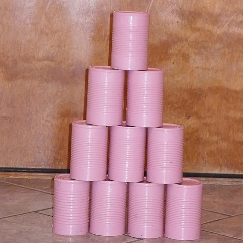 juego de verano con latas pintadas