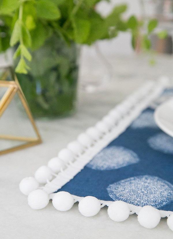 Servilletas decoradas con pompones