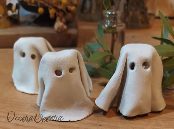 Fantasmas de arcilla hechos a mano
